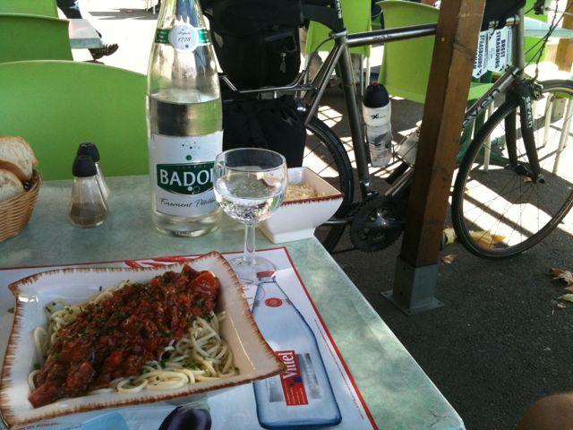 Déjeuner en terrasse à Bagnols-sur-Cèze