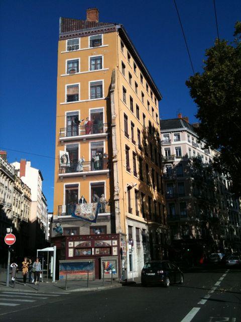 Lyon, façade en trompe-l'oeil