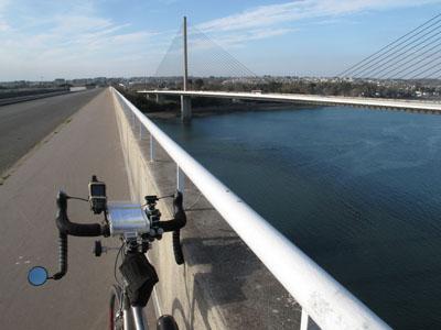 Le pont de l'Iroise vu du pont Albert Louppe
