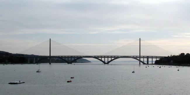 Le pont de l'Iroise et le pont Albert Louppe vus du Relecq-Kerhuon