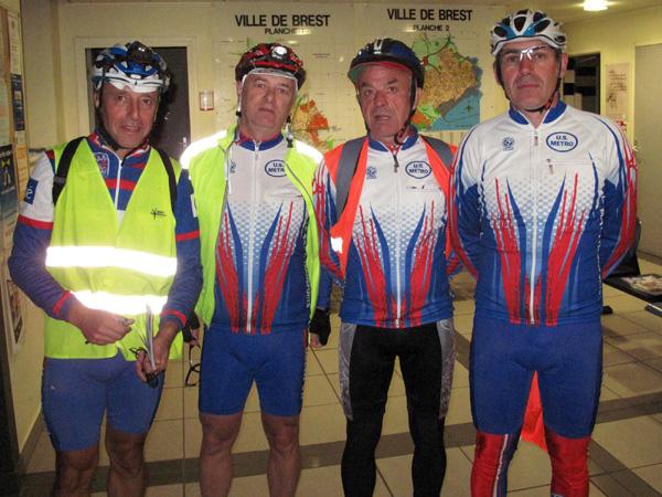 Guy , Philippe , Vivian et Jean-Pierre au commissariat de Brest