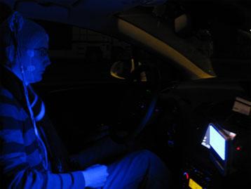 Intérieur du véhicule montrant la position et l'intensité de la source lumineuse © Sanpsy 2012 (CNRS/Université Bordeaux Segalen)